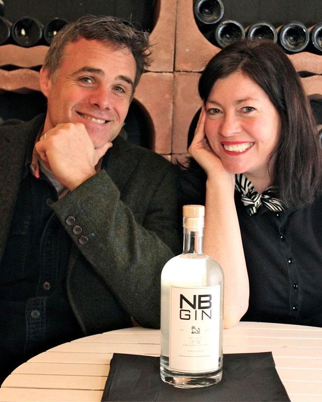 I coniugi Steve e Vivienne Muir, fondatori della NB Gin