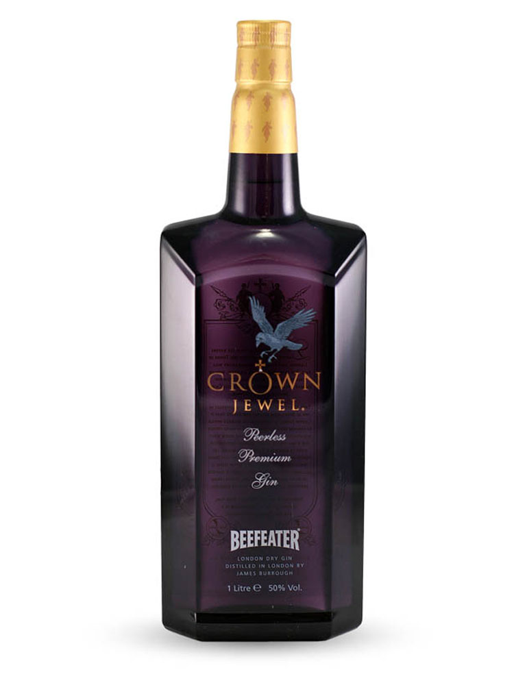 La bottiglia di Beefeater Crown Jewel Gin
