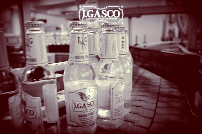 Bottiglie in linea di produzione