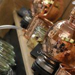 Il ministro dell'ambiente inglese vuole creare un percorso delle distillerie di gin di Londra