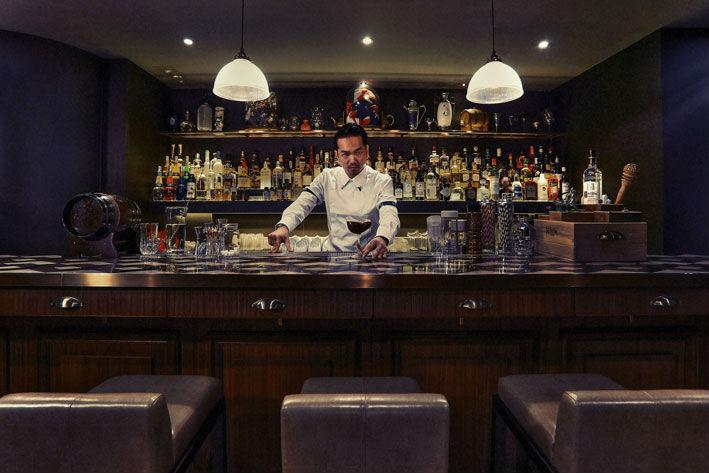 Vista del bar de The Envoy