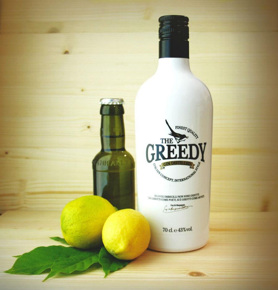La bottiglia di The Greedy Gin in un'immagine promozionale