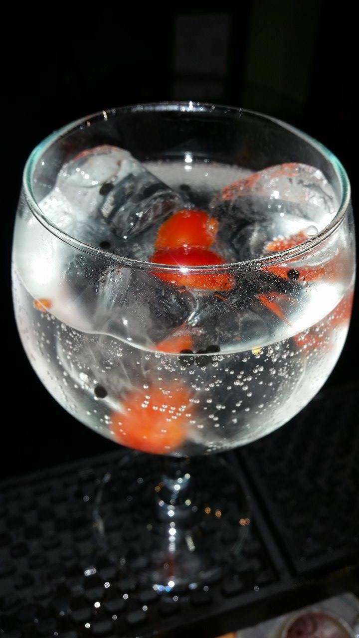 Da Nord a Sud, il Gin Tonic alle sfere di tartufo ideato da Paolo Cesino e Marco Bertoncini