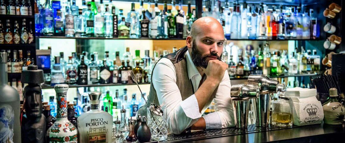 Due chiacchiere davanti a un gin tonic con… Samuele Ambrosi!