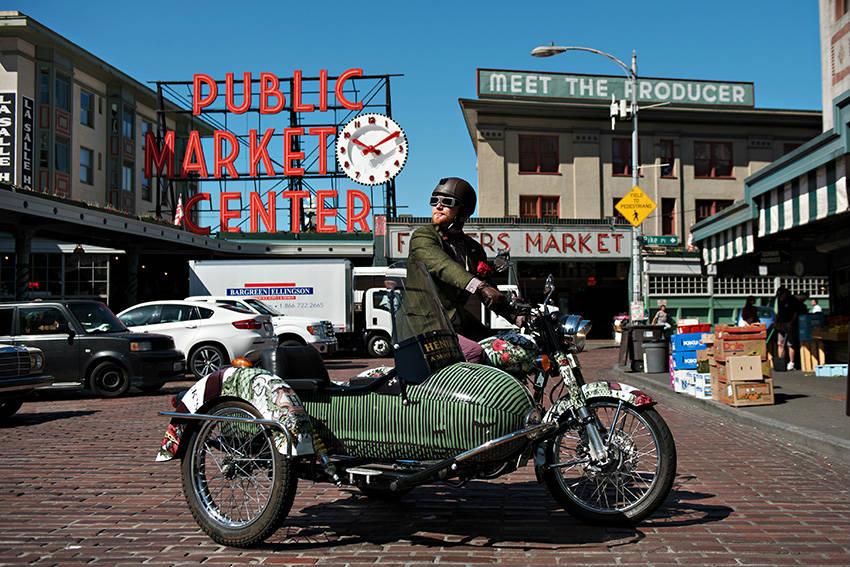 Uno splendido esemplare di moto-cetriolo di Hendrick's