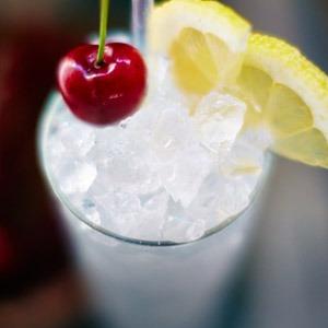 Il Tom Collins, una versione raffinata del classico Gin Lemon