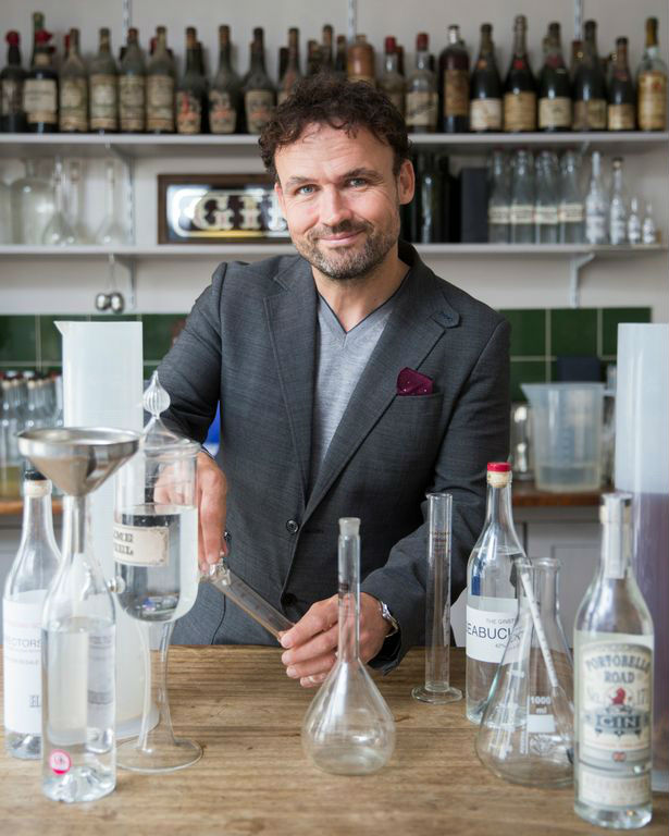 Ged Feltham con il suo Portobello Road Gin