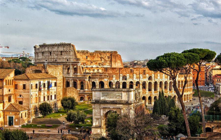 Roma, veduta del Colosseo