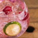 Cifre da record per il gin: vendite per 2,5 miliardi £ in UK ed esplosione dei gin aromatizzati