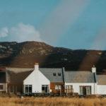 Vacanza in un'isola della Scozia tra oltre 200 gin: alla scoperta di Colonsay