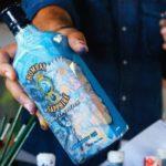 Bombay Sapphire lancia la bottiglia dell'artista afro-americano Hebru Brantley